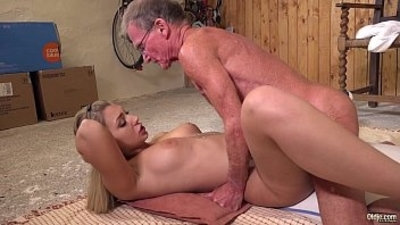 18 years old anal ass fucking big cock