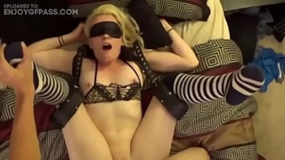 3some  amateur  blonde  blowjob